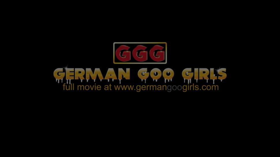 GERMANGOOGIRLS - Sexy brunette bukkake orgy pro