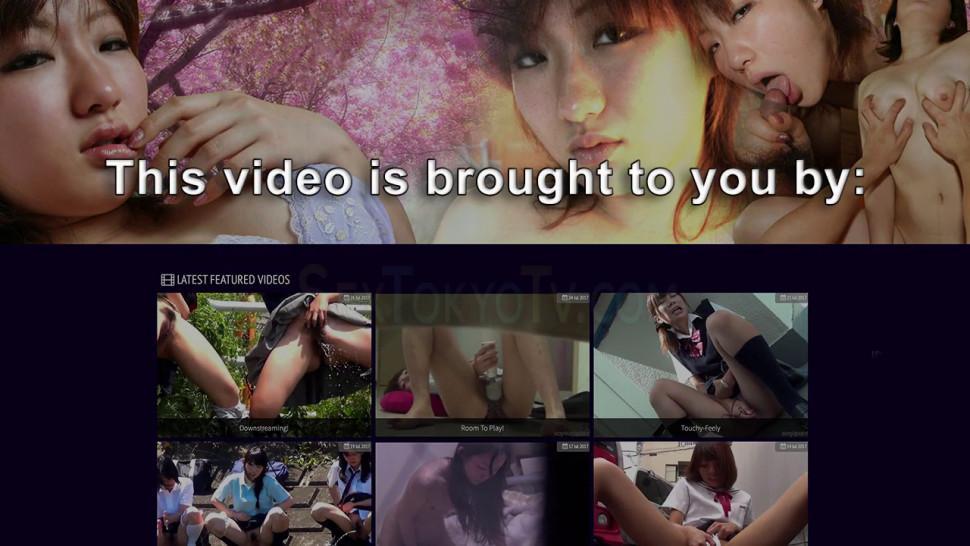VOYEUR JAPAN TV - Gorgeous Asian spied on fingering cunt