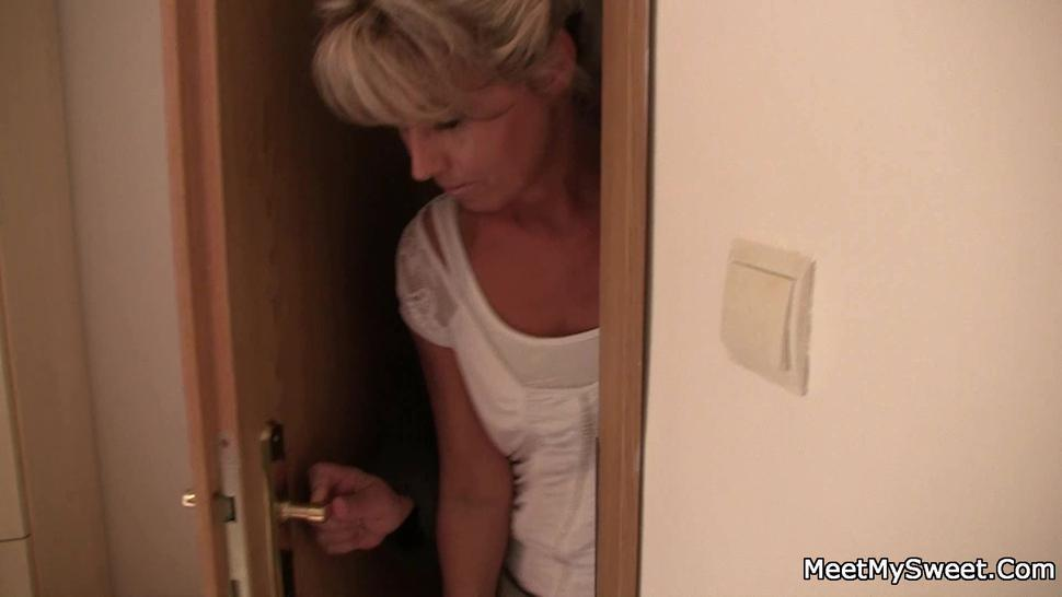 MEETMYSWEET - Old couple find sons naked blonde girlfriend