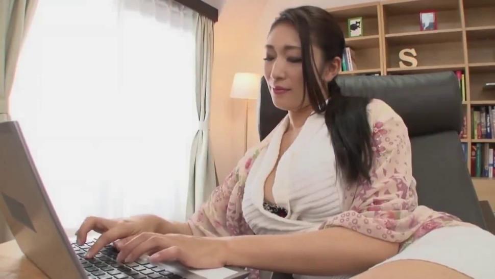 Japanese Mature Lesbian Seduction