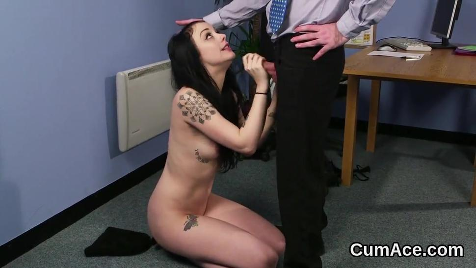 Hd/face swallowing the on cumshot