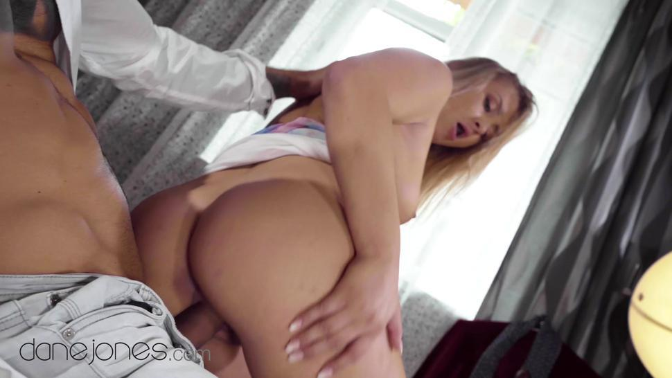 Blonde/cayla big dick blowjob dane