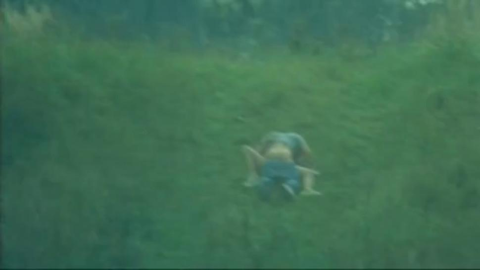Brunette/softcore/dans tete nude 2003