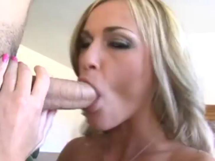 Deepthroating with McKenzie Miles