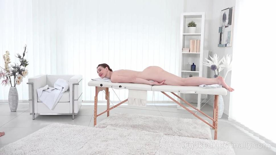 I Fucked Her Finally - Hot girl gets her sex satisfaction in massage salon