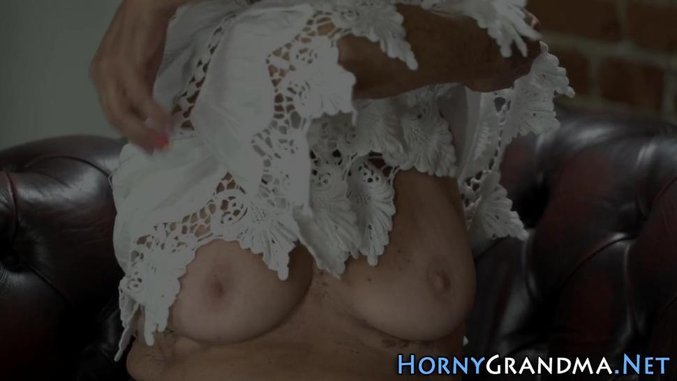 Blonde old cougar blows dick for cum facial