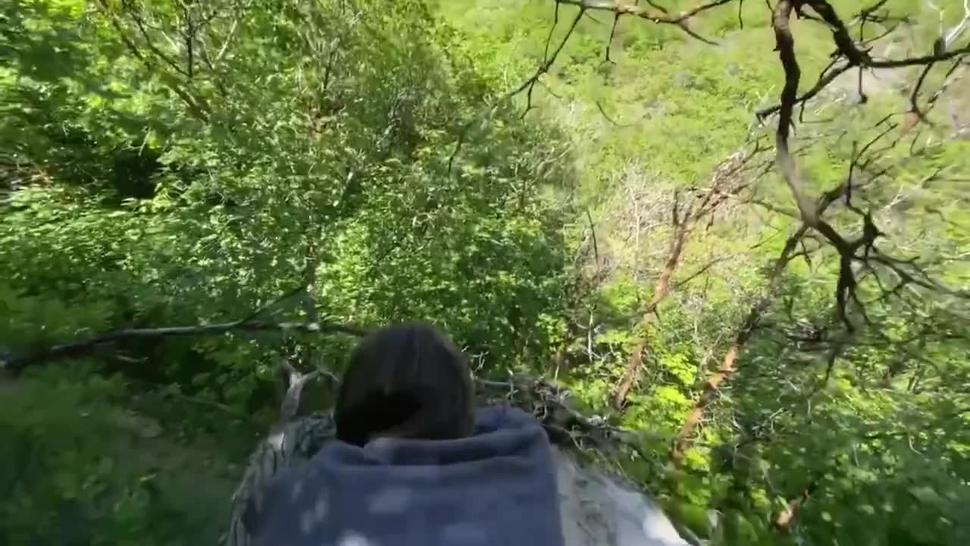 Having some fun on a local hike, doggystyle & cumshot on a popular trail