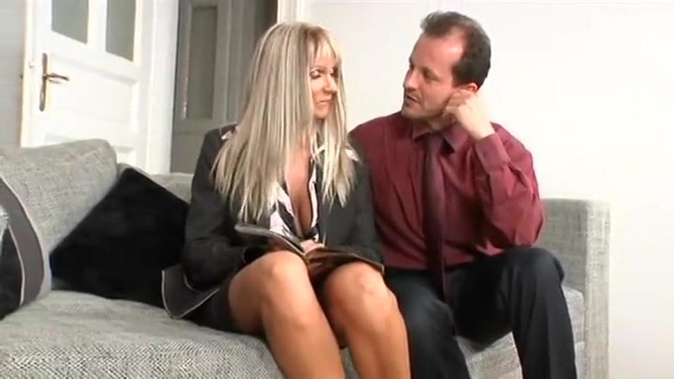 Threesome/thorne with nikky screw her