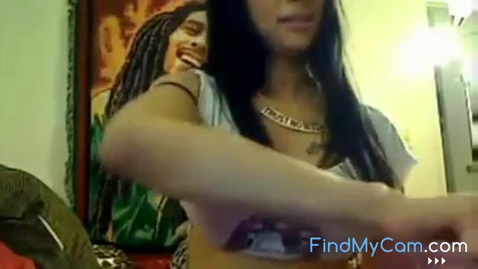 ebony babe webcam sucking and squirt