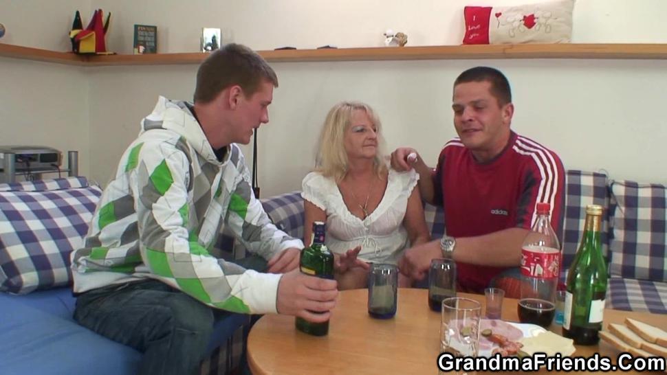 GRANDMA FRIENDS - Hairy blonde granny double penetration fuck