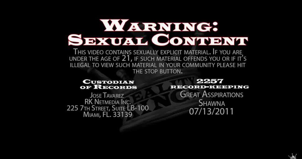 Sexy bitch demonstrates oral skills - video 4