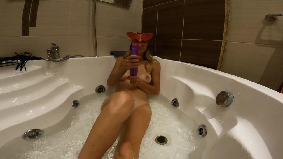18 Years Old Teen Play With A Dildo Toy In Ass Bathroom In Jacuzzi