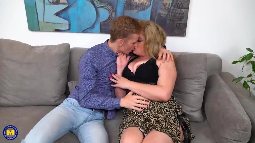 Mature woman uses boy toy's dick for her own pleasure
