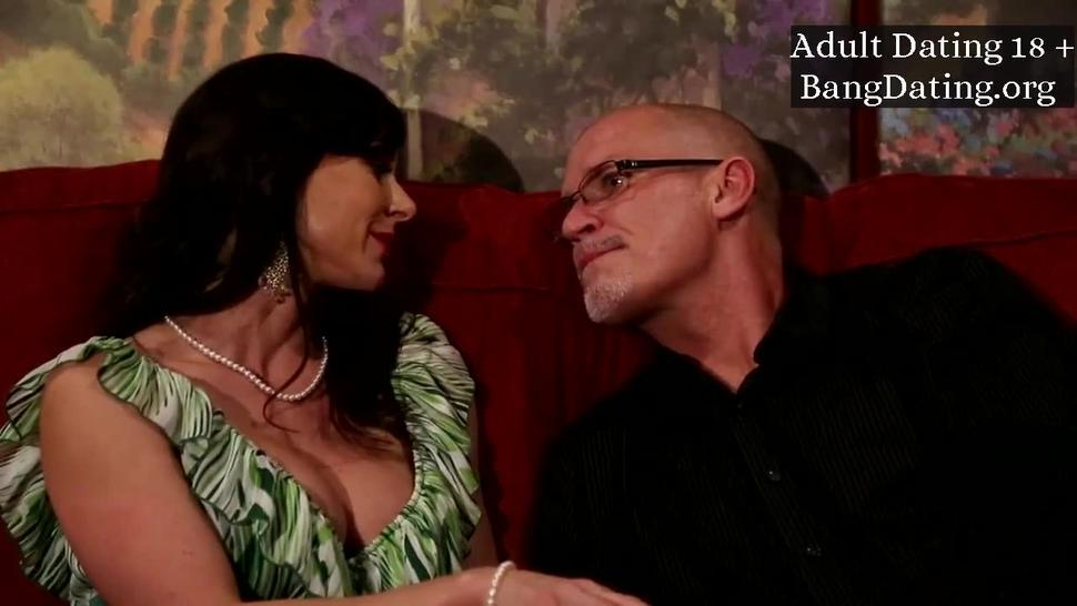 Late Night Screw With Gorgeous Busty Milf Kendra Lust