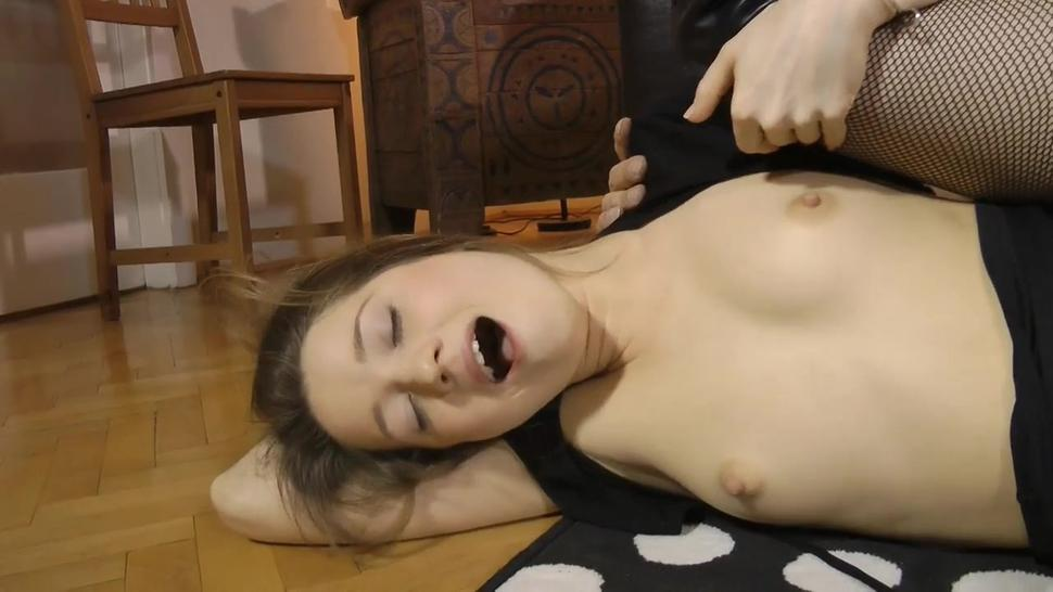 Slutty Girl Enjoys Anal Penetration - Eva Shanti