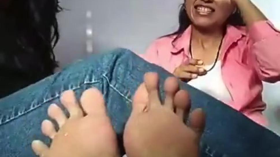 2 thick latina soles joi