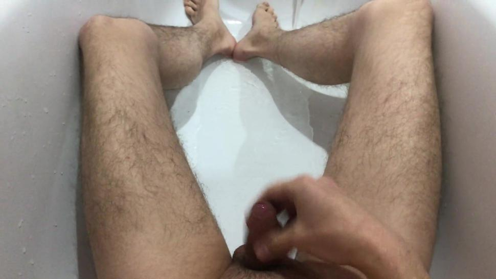 YOUNG GUY WANKING AND CUMS AFTER SEX IN THE BATHROOM