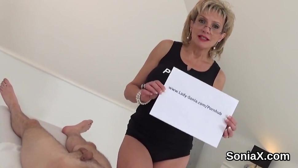 Unfaithful english mature lady sonia reveals her large melons