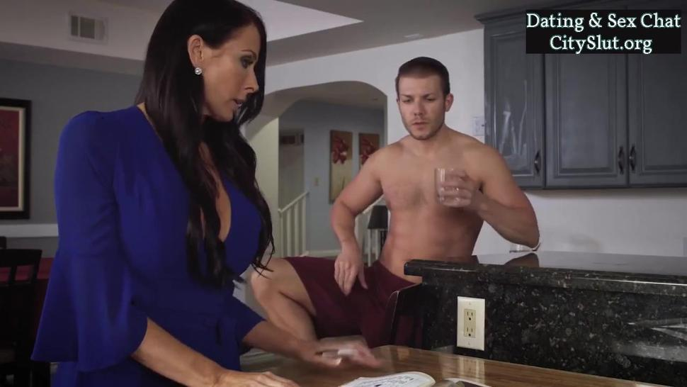 Unsatisfied stepmother reagan foxx trying to fuck with stepson