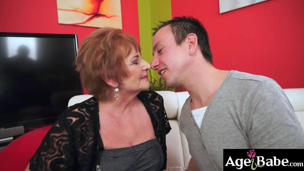 Rob blowing his load all over Sallys furry pussy lips