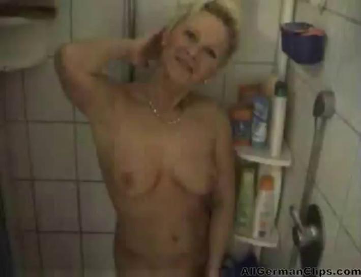 German Mature Couple Homevideo german ggg spritzen goo girls