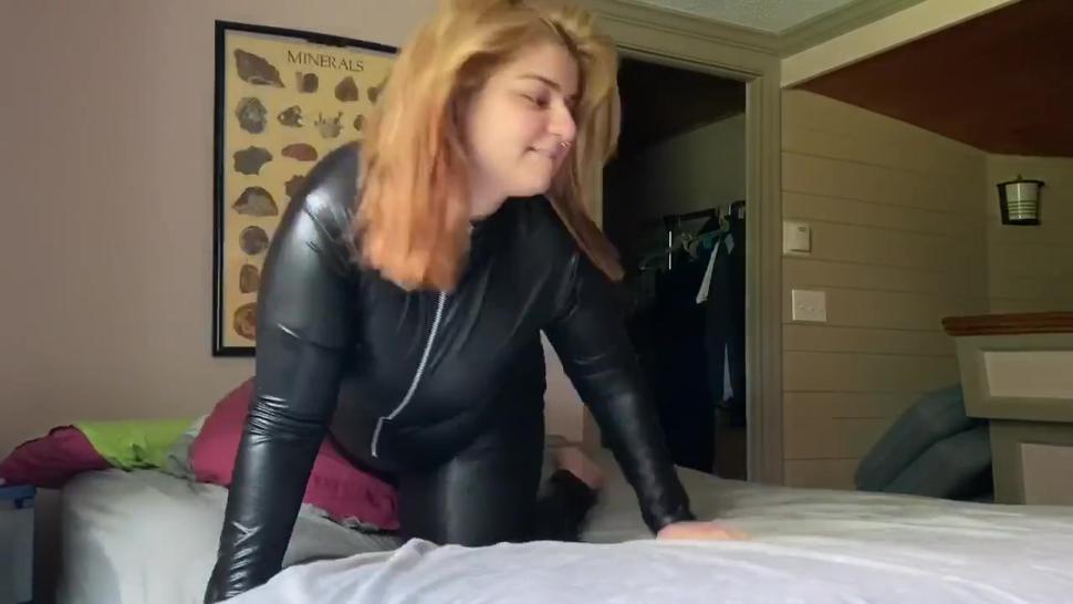 BBW fucks bf in leather catsuit KALLIELONEWOLF