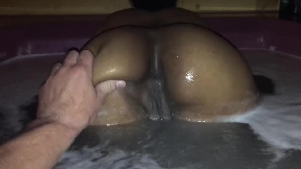 Fat pussy fat ass twerking in jacuzzi by black ebony girl