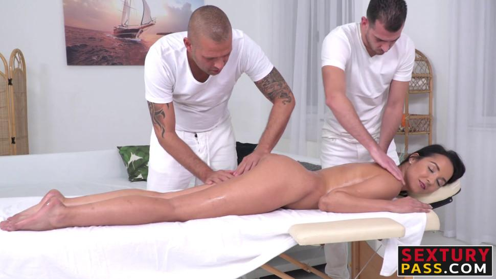 Anal fixation in women