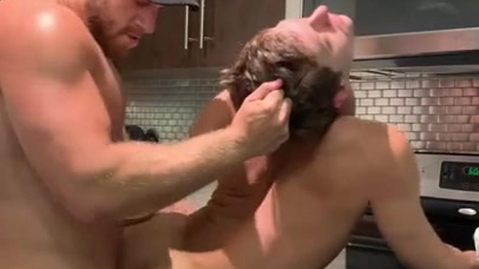 CHECK OUT THIS HOT COOKING TUTORIAL WITH @AustinXAvery 4my.fans/austinavery