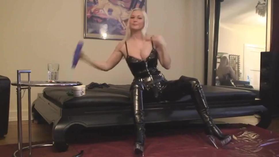 blond mistress makes her slave a bitch (6/10)