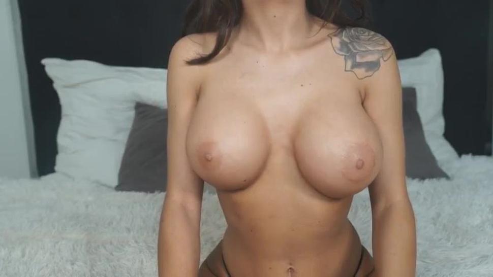 Webcam model ImHotBella masturbating squirting and smoking