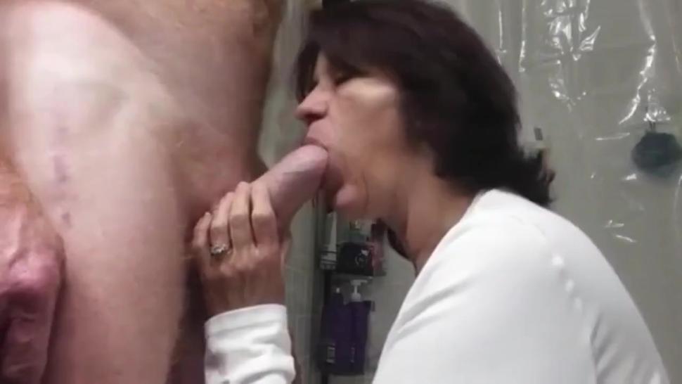 mature mother still loves deepthroat blowjob