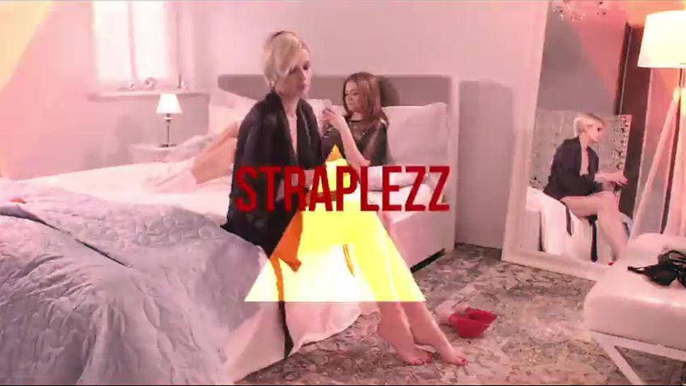 Girls In Lingerie Use Strapless Dildo