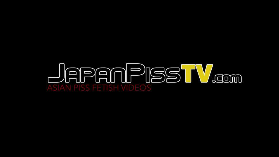 JAPAN PISS TV - Couple of hairy pussy asian babes public peeing close up