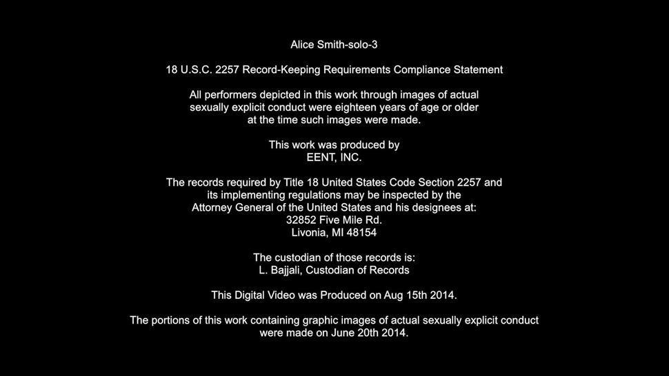 Solo Performance In The Bathroom - Alice Smith