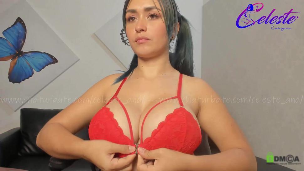 Etselec Showing Her Big Tits