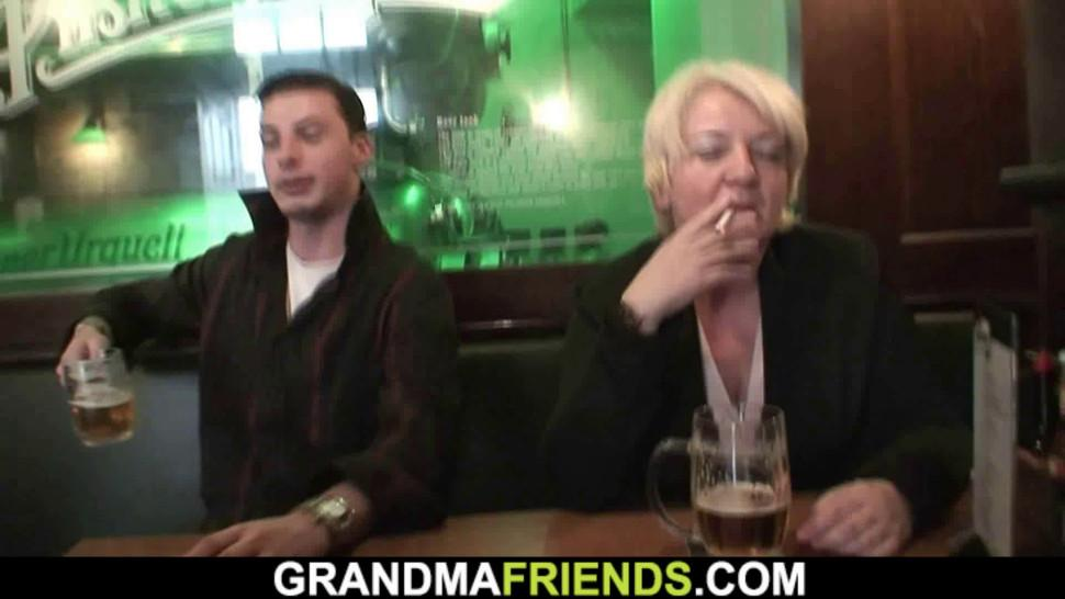 GRANDMA FRIENDS - Drunk blonde old grandma double fucked on the table