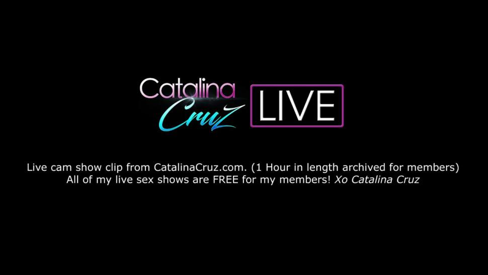 Alyssa Lynn drilled with cock during threesome Catalina Cruz live
