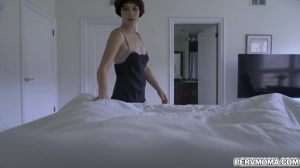 Stepson getting fucked by his horny stepmom Jessica Ryan