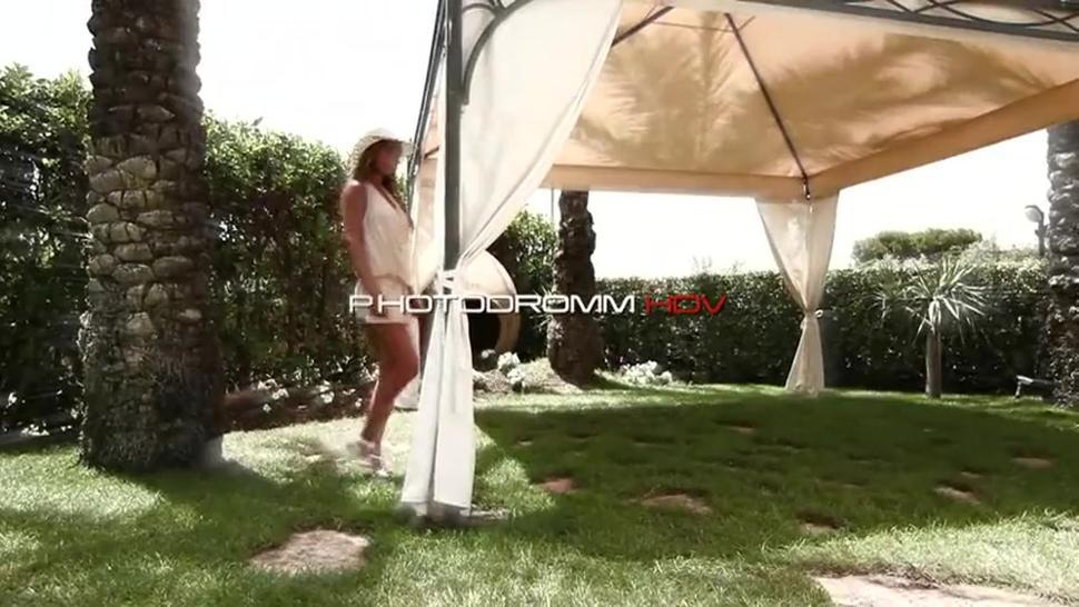 Sexy Girl In The Garden - Alexa - Alexa Varga