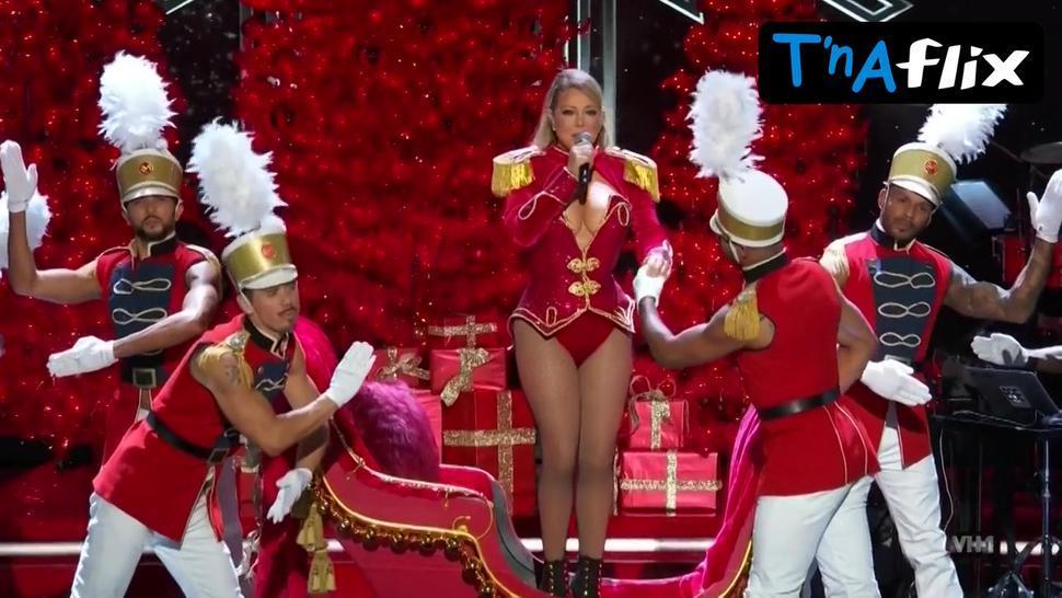 Mariah Carey Sexy Scene  in Divas Holiday: Unsilent Night