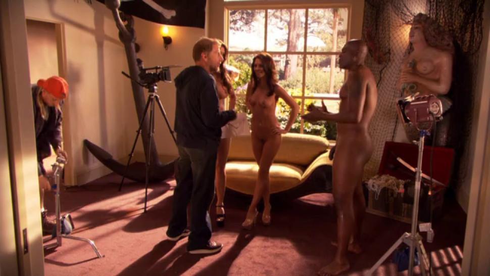 Jessica Jaymes nude - Kirsten Price nude - Weeds s03e07 - 2007