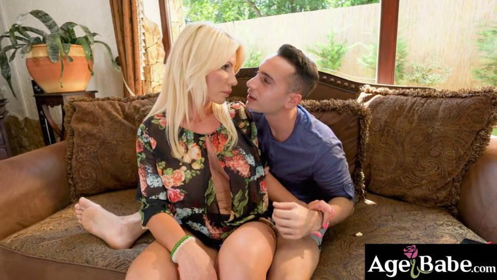 Mature Tiffany moans as Raul Costa pounds her vintage twat hardcore