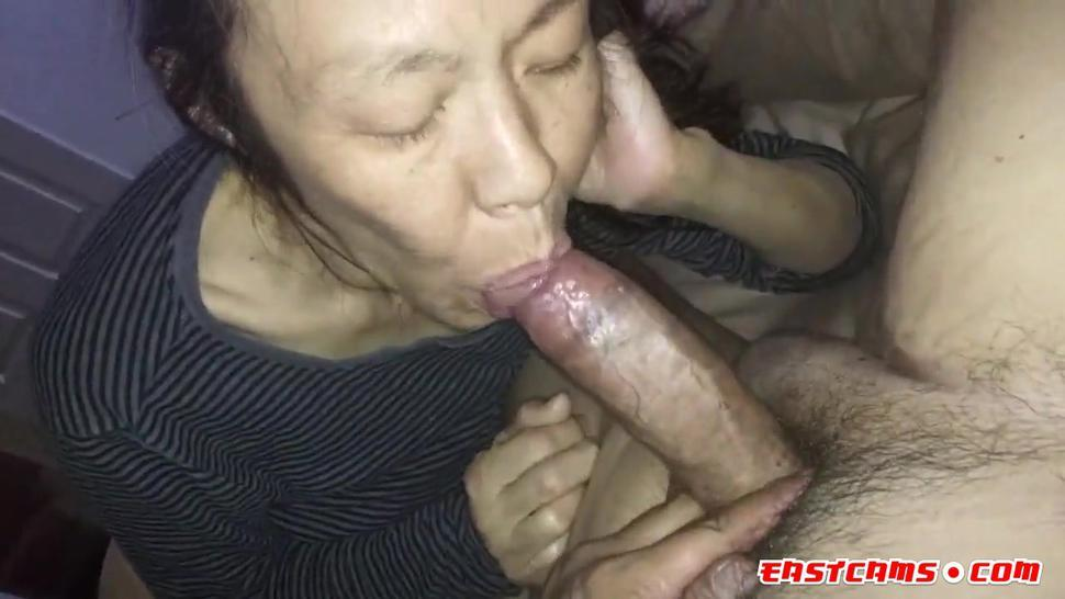 Loves to suck her mans cock