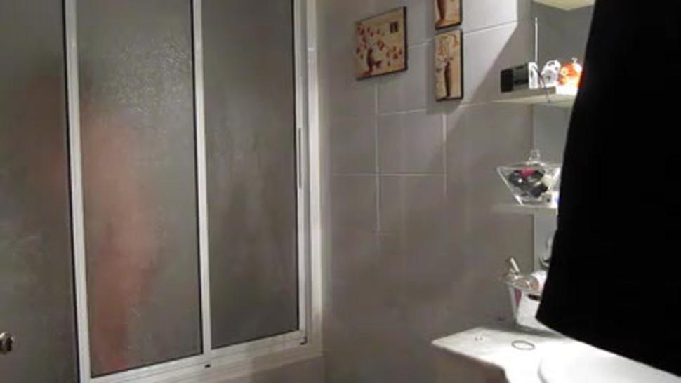 Bbw In Shower Hidden Cam
