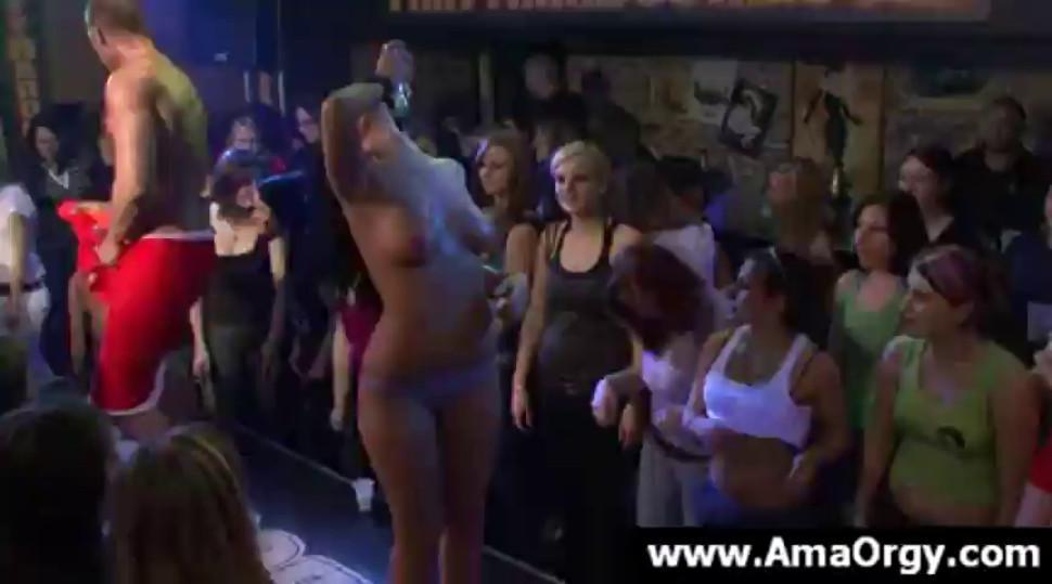 Stripper dancing for naked girls