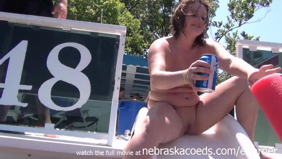 Naked Drunk Party Girls Just Wanna Have Fun