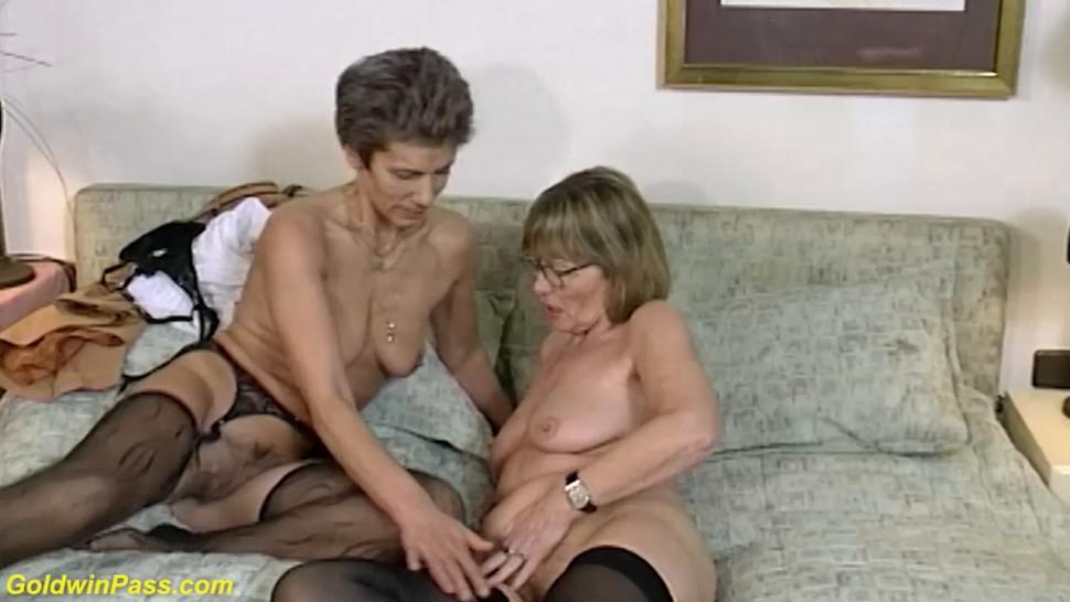 GOLDWINPASS - extreme rough lesbian granny dildo sharing