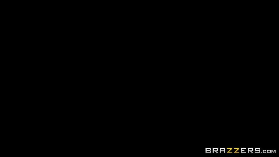 Thick Mom In Law Fucks Her Son In Law - Brazzers