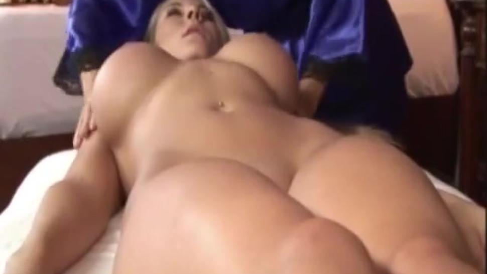 Rubia con cuerpo perfecto, follando con morena